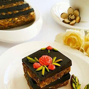 رسپی اسلایس خرما با رویه شکلات