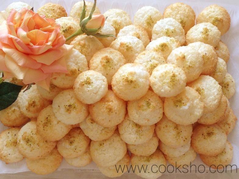 شیرینی نارگیلی بخشی از انواع شیرینی عید نوروز