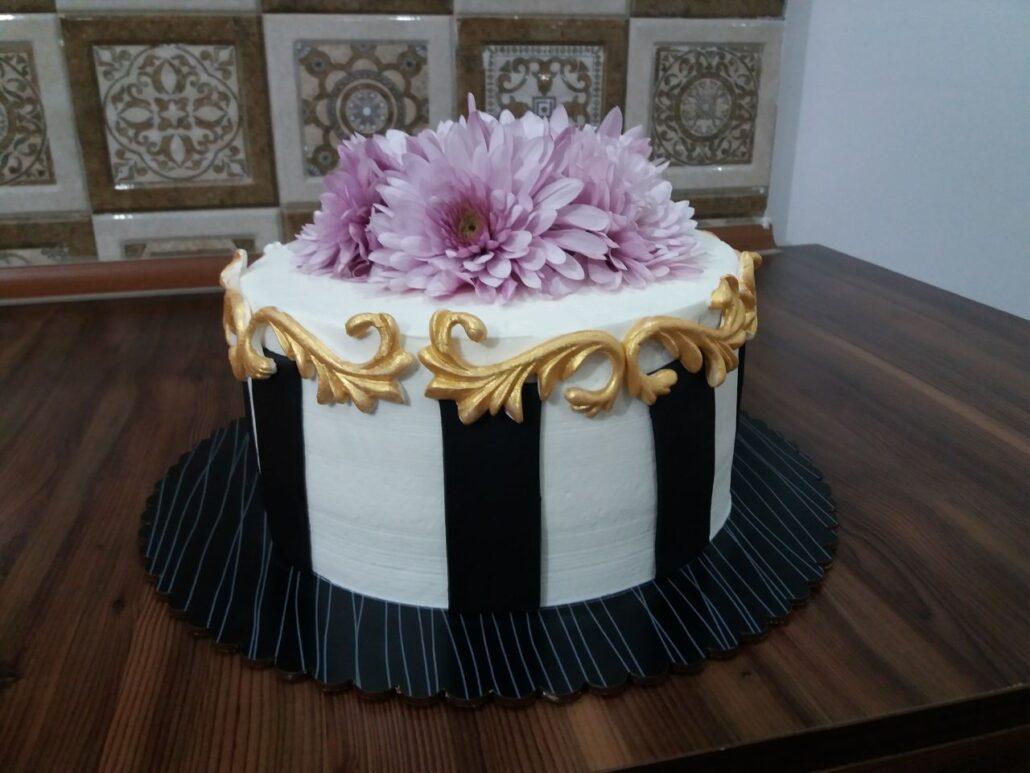نمونه کار هنرجوی آموزش کیک فوندانت